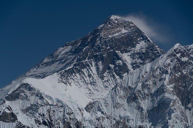 頂上を諦めると人生が楽しくなる!下山したサラリーマンの話